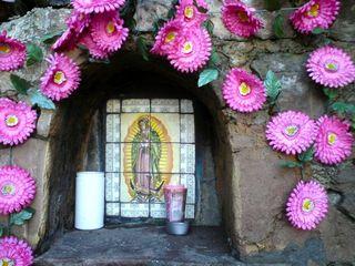 Virgen en la culebra
